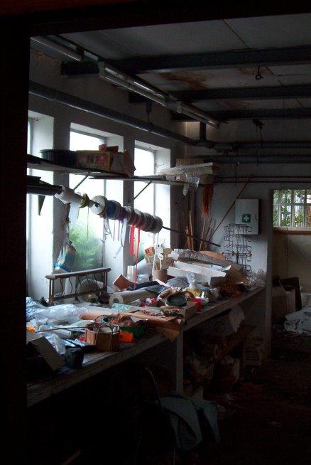 zurückgelassene Gärtnereiartikel