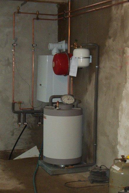 eine neue Gasheizung wird eingebaut